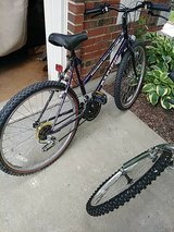 woman's 15 speed bike by Pacific..26 inches in Bolingbrook, Illinois