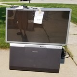 *Free to good home 49 inch HD 720p Panasonic Projection TV in Chicago, Illinois