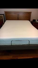 Tempurpedic adustable memory foam bed in Chicago, Illinois