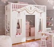 Pottery barn bunk bed in Chicago, Illinois