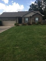 3Bed/2Bath/2cargarge home for rent in Sango near Exit 11 in Fort Campbell, Kentucky