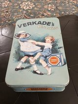Vintage Dutch Cookie Tin in Ramstein, Germany