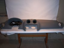 USED GREY DASH PAD FOR 06-11 MERCEDES ML350 W164 WITH AIR BAG-NO VENTS in Bolingbrook, Illinois
