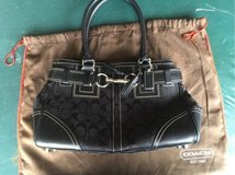 Coach purse. Like new in Naperville, Illinois