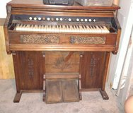 Antique pump organ from 1800,s in Perry, Georgia