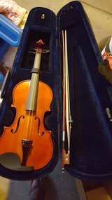 Violin case in Glendale Heights, Illinois