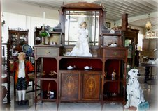 New arrivals at Angel Antiques in Stuttgart, GE