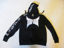 Black tapout zip up hoodie sweatshirt (M) in Naperville, Illinois