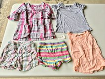 Girls tops & shorts - size 4T in St. Charles, Illinois