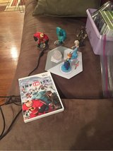Infinity game Wii plus 6 pieces (5 characters) in St. Charles, Illinois