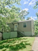 Gorgeous 2 Bed 1 Bath Near Madison St! in Fort Campbell, Kentucky