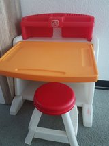 Kids Desk Easel Step 2 in Ramstein, Germany