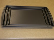 3 piece non-stick cookie sheet set in Fort Campbell, Kentucky