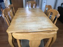 Table, leaf and 6 chairs in good condition in Joliet, Illinois