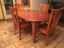 table w/6 chairs in Lockport, Illinois