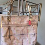 CLEARANCE ***Beautiful Large AUTHENTIC Coach Purse W/Wallet*** in Kingwood, Texas