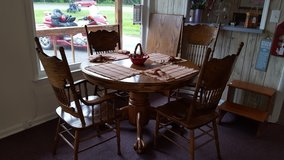 Dining Room Table and Chairs in Byron, Georgia