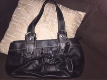 new authentic coach purse        color black in Bolingbrook, Illinois