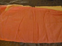 Full size pink bed skirt in Quantico, Virginia