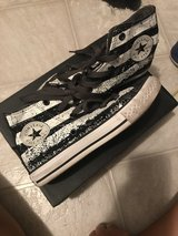 Converse youth size 1 in Hinesville, Georgia