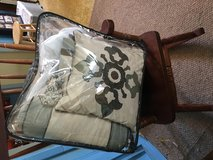 Queen size bed set great condition in Conroe, Texas