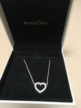 Pandora sterling heart necklace in Elgin, Illinois
