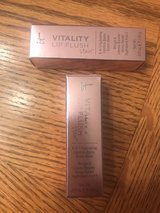 It Cosmetic Vitality Lip Flush in Fort Riley, Kansas