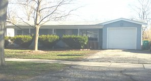 Available Immediately  North Aurora house in St. Charles, Illinois