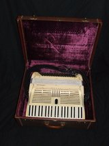 Vintage Cignolani Accordion / Master Craft Carry Case Made in Italy in Lockport, Illinois