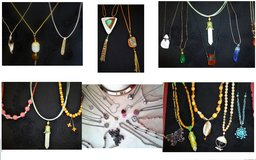 Necklaces new in St. Charles, Illinois