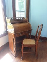 Desk: Rolltop: Perfect Condition in Plainfield, Illinois