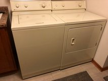 Maytag Waher and Maytag Gas Dryer in Orland Park, Illinois