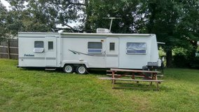 2000 Dutchman Classic 31' in Fort Knox, Kentucky