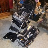 chicco Keyfit 30 carseat & stroller (x11/19) in Fort Knox, Kentucky