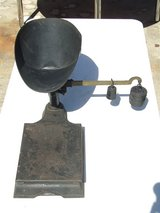Antique Cast Iron Scale Hardware Store Commercial Industrial 244 lbs in Glendale Heights, Illinois