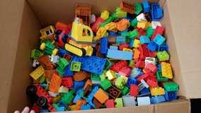 11 pounds of  Duplos in Alamogordo, New Mexico