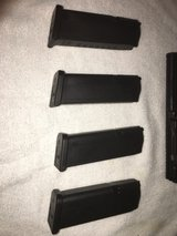 Glock 19 upper slide complete with mags $380 in Camp Pendleton, California