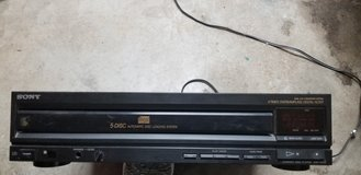 5 disc CD player in Houston, Texas