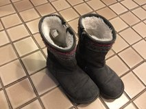 Girls suede boots with cute embroidery size 11 in Bolingbrook, Illinois