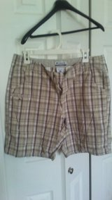 Columbia women's shorts size 10 in Tinley Park, Illinois
