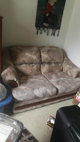 2 and 3 piece couch set in Bolingbrook, Illinois