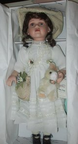 "Doll Vintage Duck House Heirloom 20"" Doll Meriel new in box in Clarksville, Tennessee"