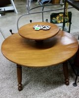 Coffee Table-Round in Fort Campbell, Kentucky