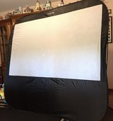 Sima XL-84POP Instant Portable Projection Screen in St. Charles, Illinois