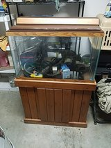 25 gal fish tank with stand in Leesville, Louisiana