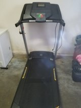 Golds Gym trainer 420 treadmill in Leesville, Louisiana