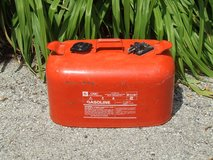 OMC 6 Gallon Metal Fuel Tank Outboard Boat Motor Engine 50/1 Mixed Gasoline Can in Oswego, Illinois