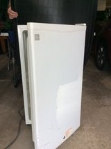 3.2 cu ft GE refrigerator - product no. sfr03bapww - white in Orland Park, Illinois