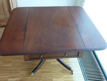 Mahagonie drop leaf dining table with two side drawers in Stuttgart, GE