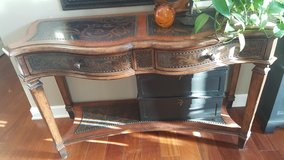 Gorgeous console table in St. Charles, Illinois